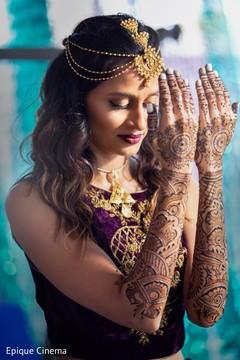 Lovely maharani showing her mehndi designs