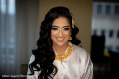 Portrait of the stunning maharani getting ready for the reception