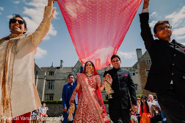 indian wedding,maharani,entrance,outdoors