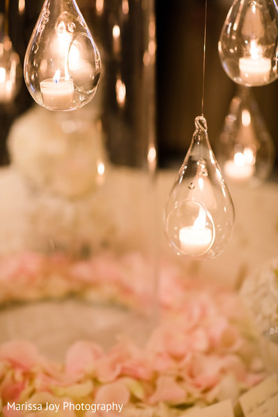 Amazing candle design for the Indian wedding reception decor