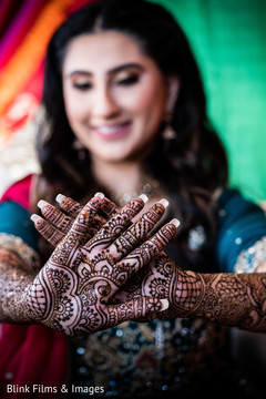 Incredible Indian bridal mehndi art.
