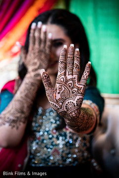 Marvelous Indian bridal mehndi capture.