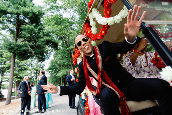 indian groom,raja,cart,baraat