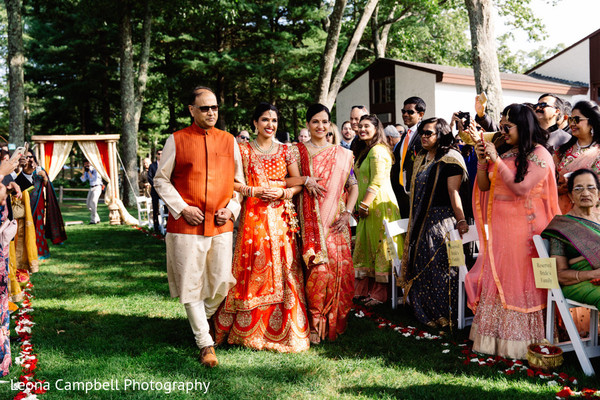 indian wedding,maharani,aisle,guests