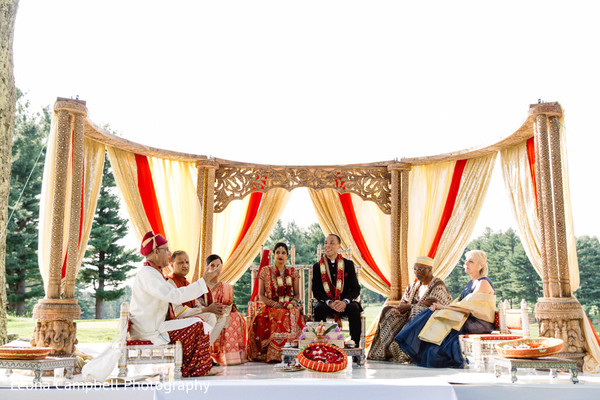 indian wedding,raja,maharani,outdoors