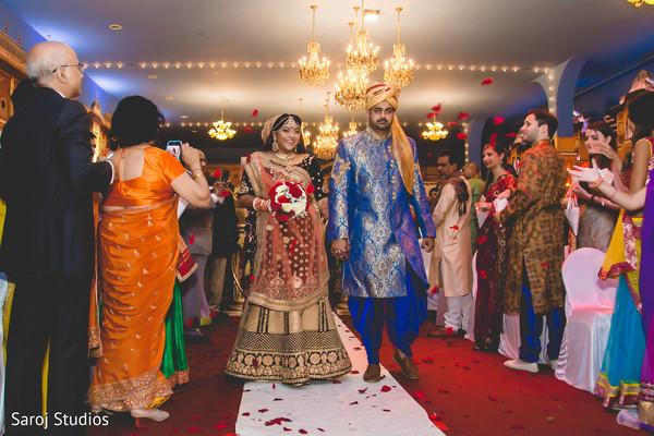 indian wedding,maharani,mehndi,aisle