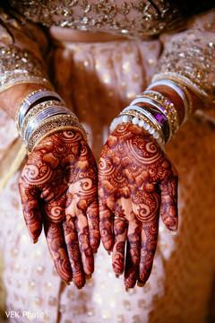 Beautiful indian bride mehndi designs