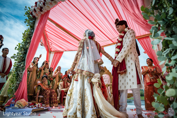 indian wedding ceremony,indian bride and groom,indian wedding ceremony rituals