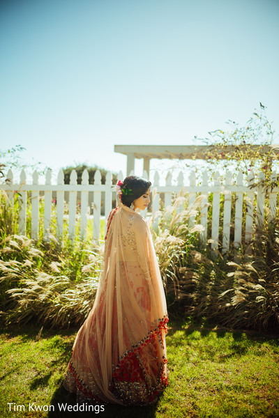 Insanely beautiful indian bride photo session