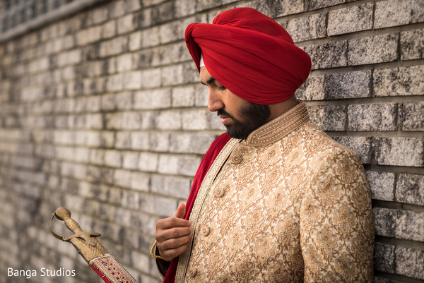 indian wedding,sherwani,indian groom,kirpan