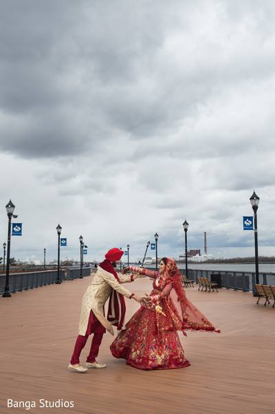 Phenomenal Indian bride and groom's photo session.