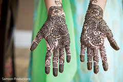 Flawless bridal henna art