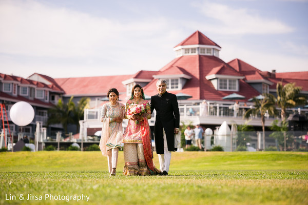 indian wedding,maharani,outdoors,venue