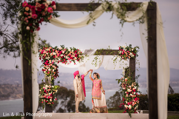 indian wedding,decor,floral,couple
