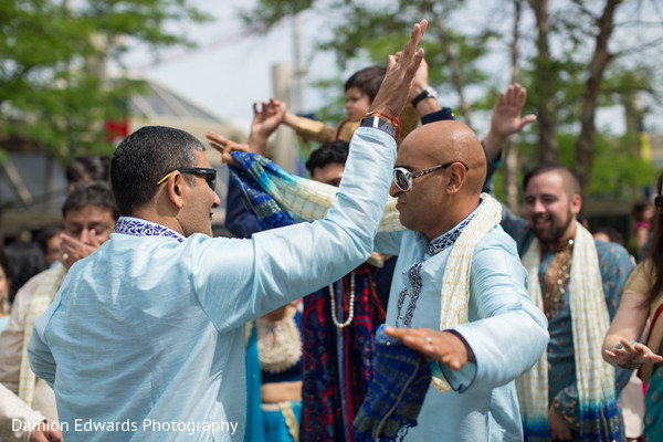 Special guests dancing at the baraat