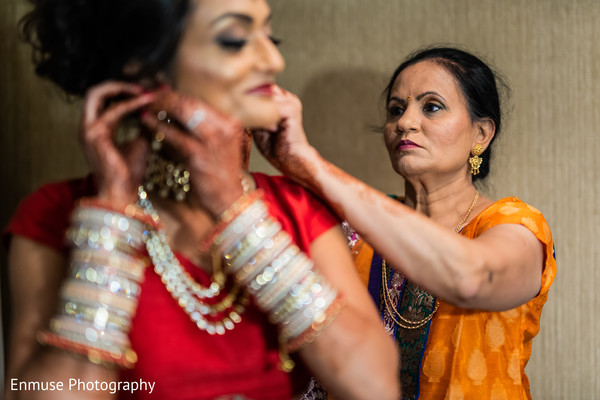 indian bridal jewelry,indian bridal hair and makeup,indian bridal ceremony fashion