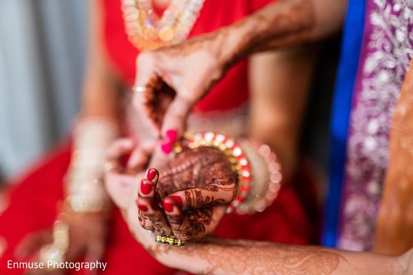 indian bridal jewelry,indian bridal mehndi,indian bridal ceremony fashion