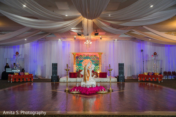 Details of the Indian wedding decor