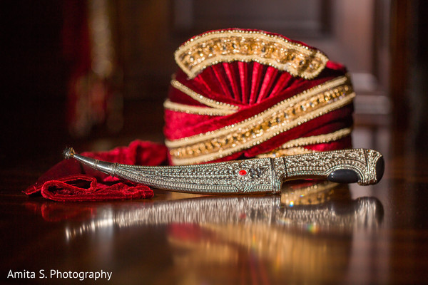 Pagri and Kirpan details to be used by the raja