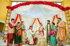 Incredible moment during the Indian wedding ceremony