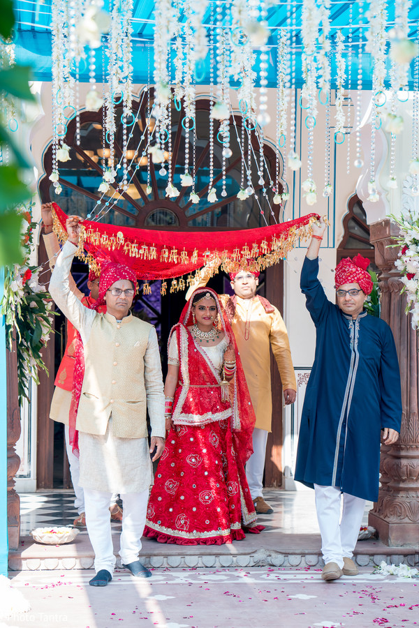 Capture of the beautiful maharani making her entrance