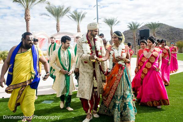 guests,bridesmaids,groomsmen,outdoors