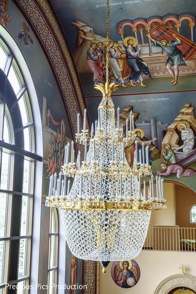 Enchanting Indian wedding chandelier decor.