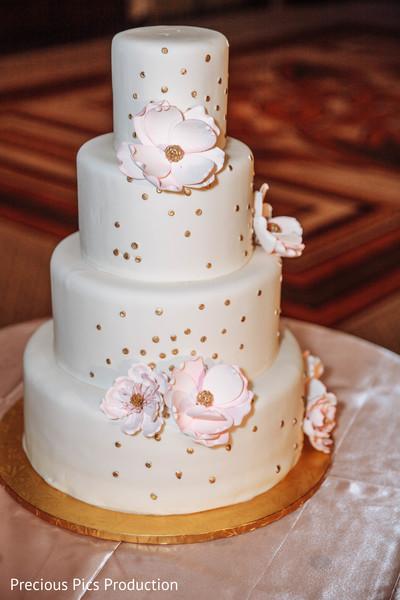 indian wedding cake,cake decor,cake table setup