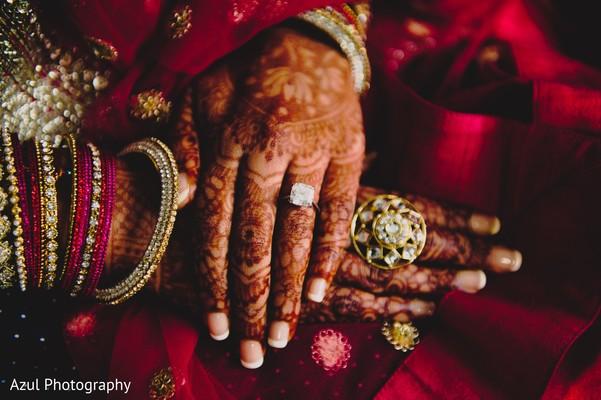 indian bride,indian wedding fashion,bridal jewelry,mehndi