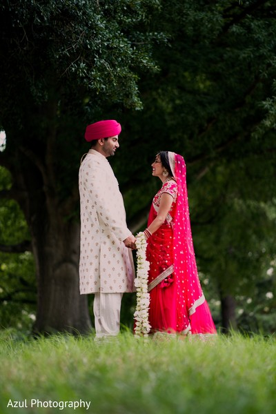 indian bride,indian groom,photo shoot,indian wedding ceremony fashion