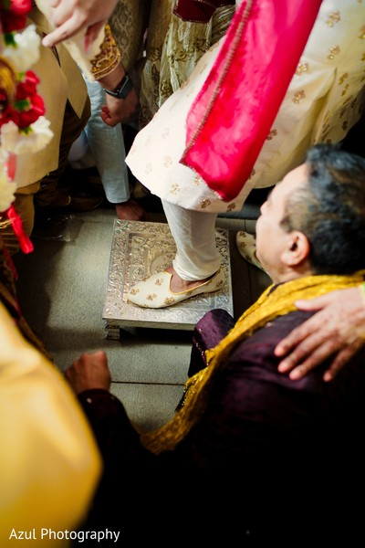 baraat,indian groom,indian pre-wedding celebration,baraat ritual