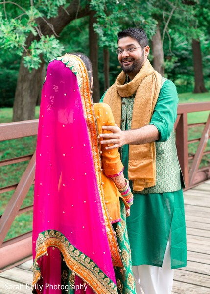 Amazed raja meeting with the maharani