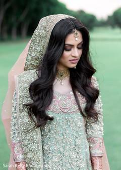 Stunning Indian bride wearing the tikka