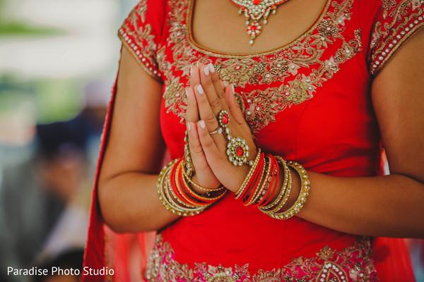 Wonderful Indian bridal jewelry capture.