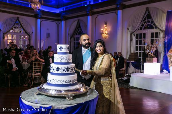 cake cutting,wedding cake,tier cake