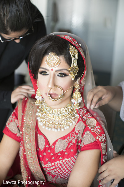 indian bride,indian bridal ceremony fashion,bridal jewelry,hair and makeup