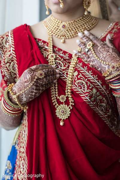 Flawless Indian bride jewelry and mehndi