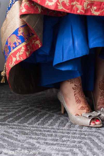 Detail of mehndi design on maharani prior to the ceremony