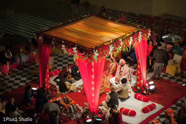 Overview of the beautiful Indian wedding mandap
