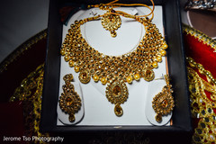 Stunning Indian bride jewelry set photography.