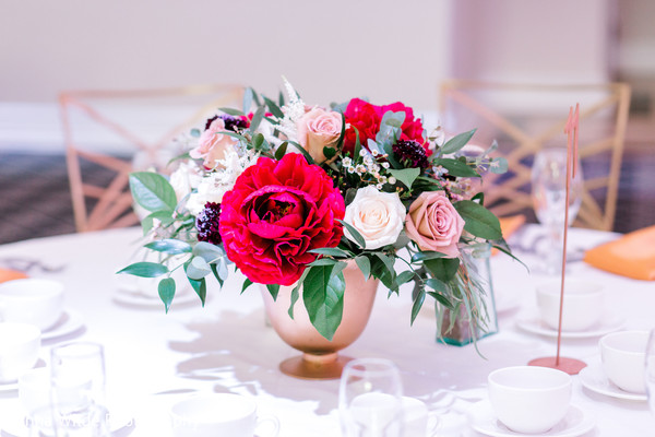 indian wedding reception,indian wedding table flowers