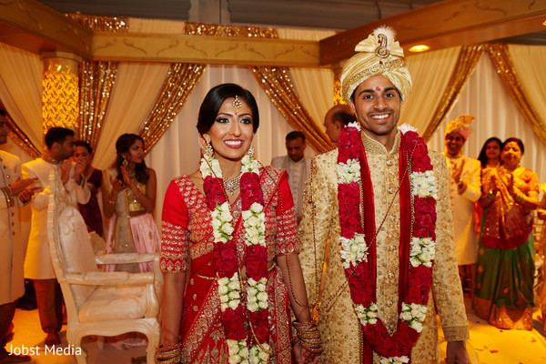 jaimala,indian wedding ceremony,mandap
