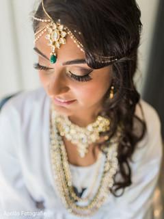 Maharani's makeup close up details