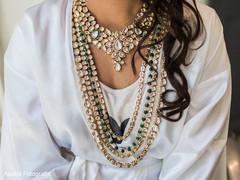Maharani's bridal jewelry details