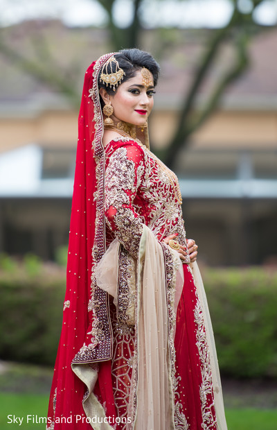 Stunning maharani in her red anarkali