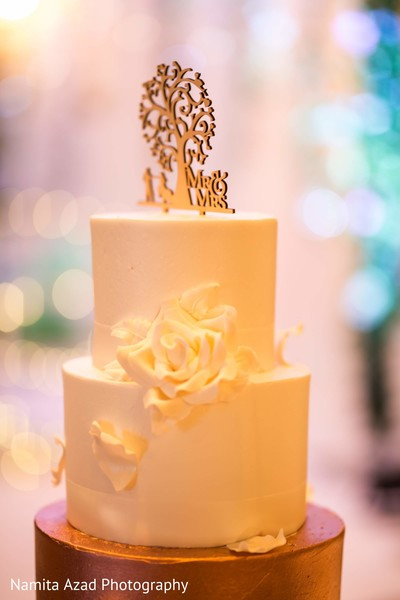 Details of the delicious wedding cake