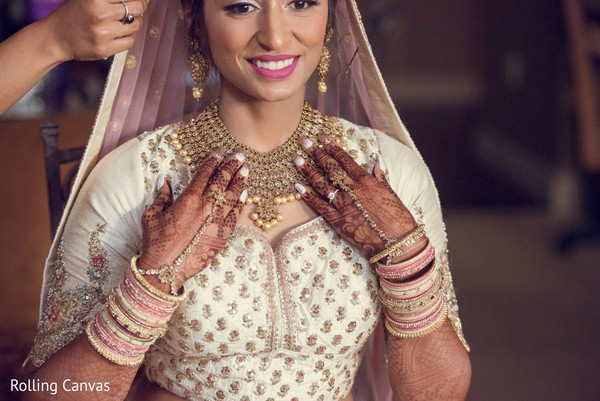 indian wedding,maharani,mehndi,sari