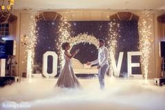 Dazzling Indian wedding reception decor