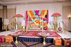 Stunning Indian sangeet stage capture.