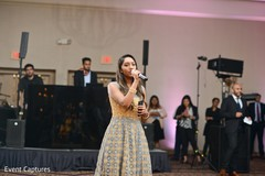 Beautiful Indian wedding singer capture.